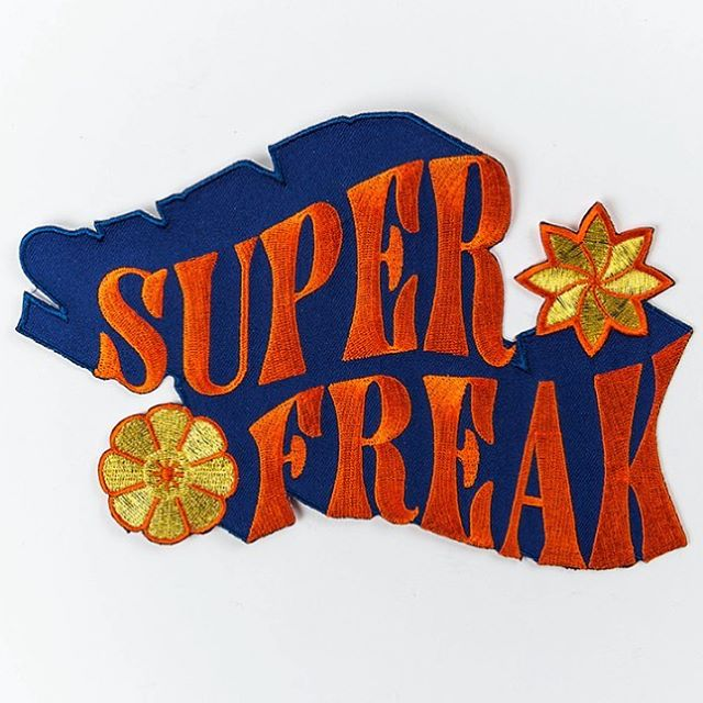 Super Freak patch ook online verkrijgbaar ❤️ be creative, pimp your shirt, sweater, hoodie, denim jacket, .... and show us the results 🌹🔥 #canigetmyfrilles  #frilles #patch #patches #superfreak #becreative #patching #diy #ironon #buynow #buyonline #happy #original #design #antwerp #belgium