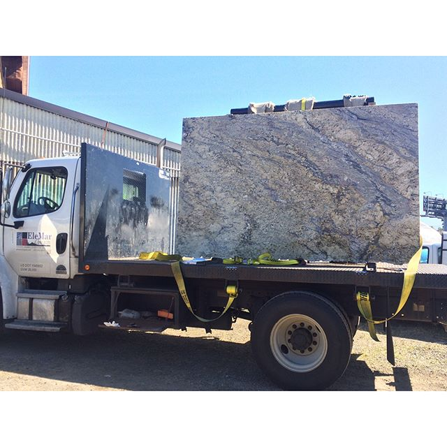 Happy Monday! Beautiful Yellow River granite from our friends at Elemar Oregon. Ready to start templeting for aa upcoming new build kitchen. #graniteslab#granitecountertops#countertops#stonefabrication#granitefabrication#newbuild#elemar#freequotes