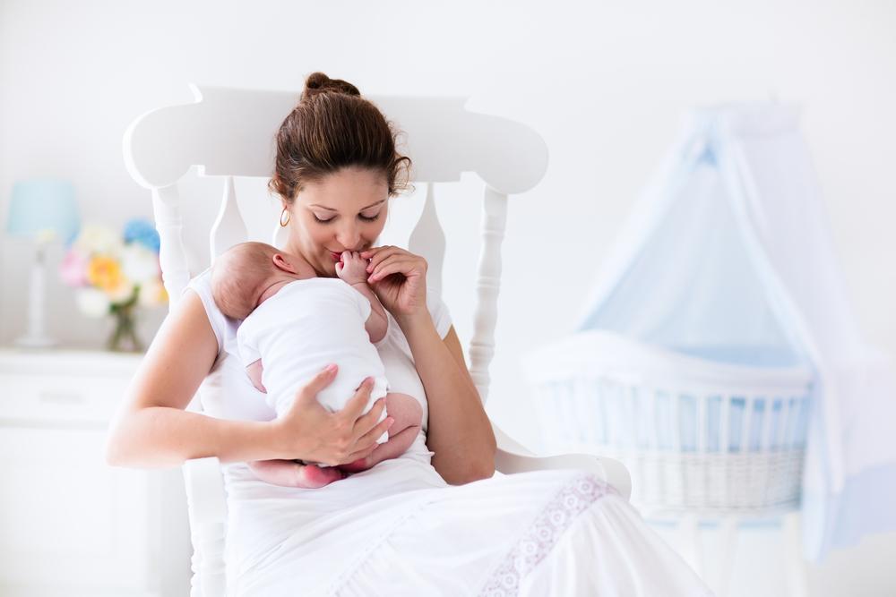 bigstock-Mother-and-her-Newborn-Baby-H-89082296.jpg