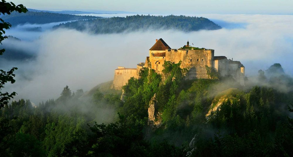 THE BEAUTIFUL REGION OF MY CHILDHOOD.. HERE, THE Chateau de Joux  http://www.tourisme-en-france.com/fr/regions-france/90/le-haut-doubs