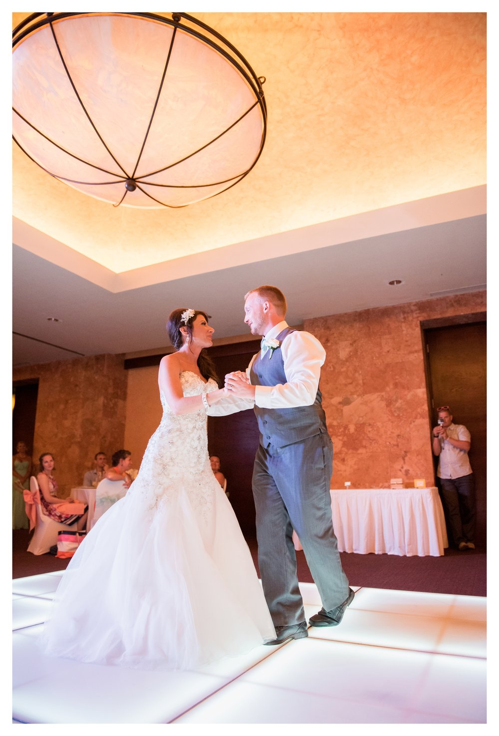 milwaukee_destination_wedding_photographer_0097.jpg