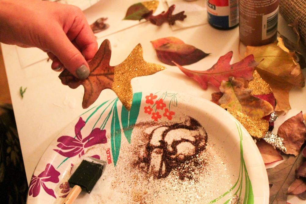 glitter-leaf-adult-crafts