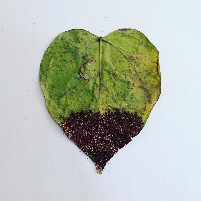 glitter-leaves