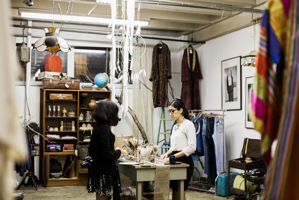 Stephanie and Valerie Echeveste setting up at Nomad Yard Collectiv | Photo by Jen Eun.