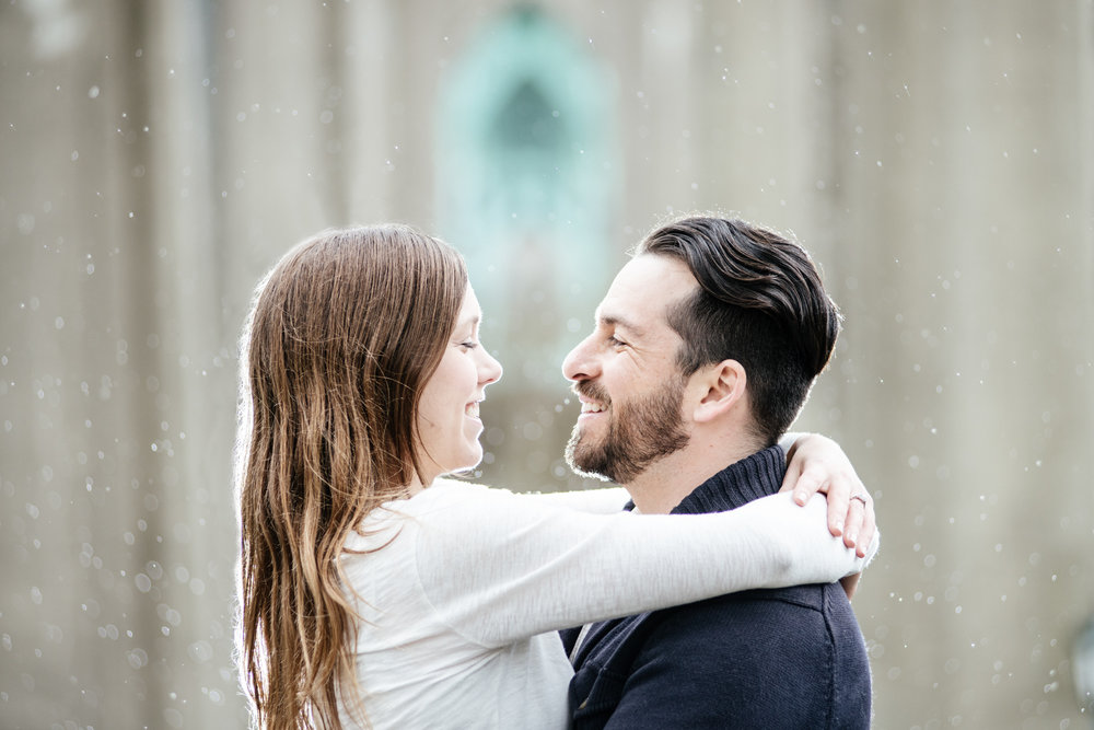 rainy pacific northwest engagement photos