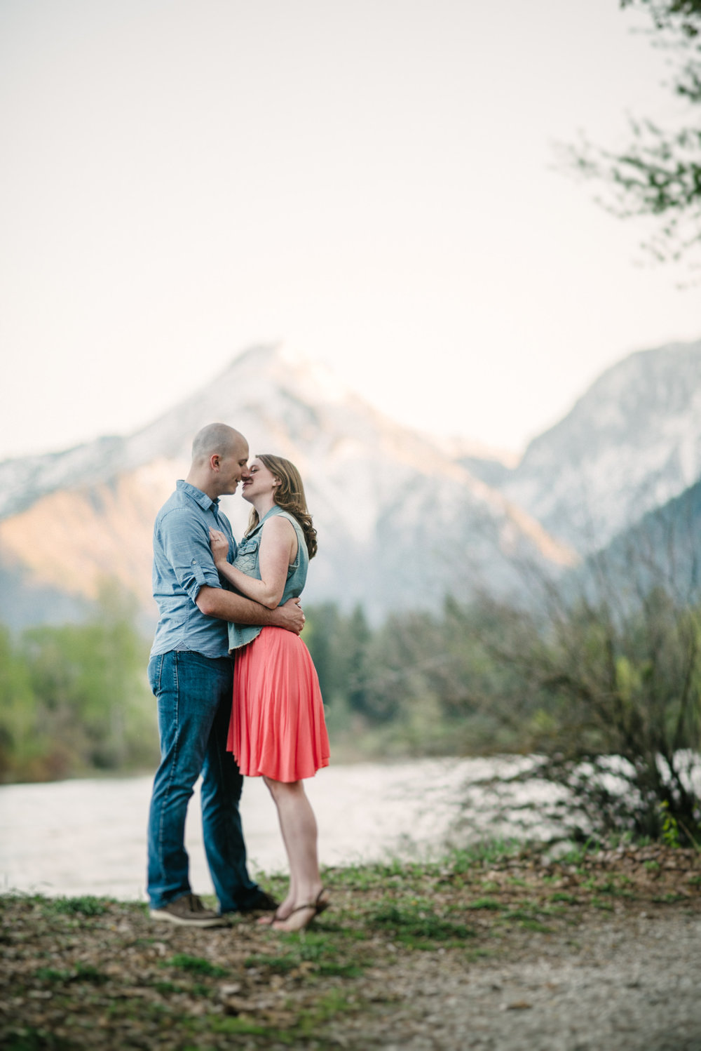 seattle engagment photographer lake chelan engagement photographer karissa roe-23.jpg