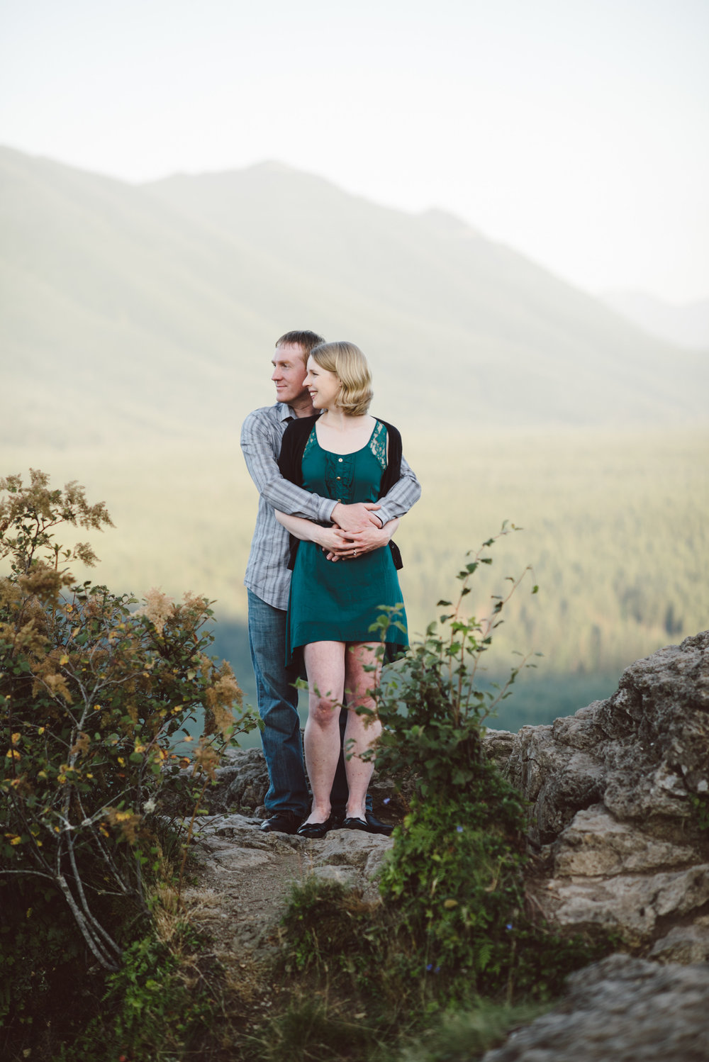 seattle engagment photographer lake chelan engagement photographer karissa roe-33.jpg