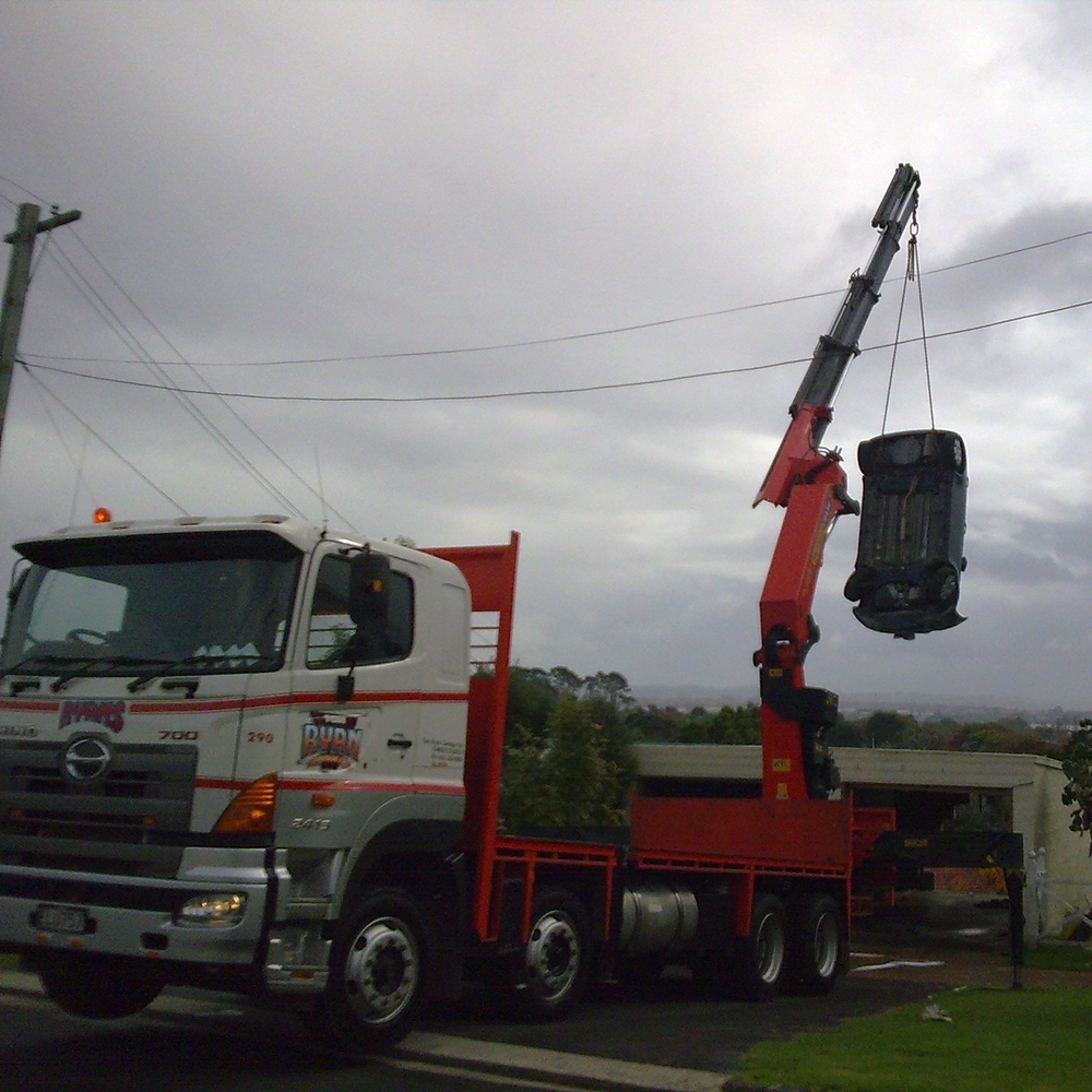 8x4 rear mount crane.jpg