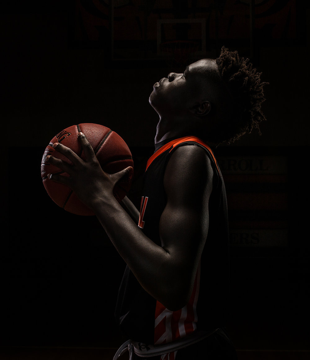 Senior basketball photographer Jang Carroll Tigers.jpg