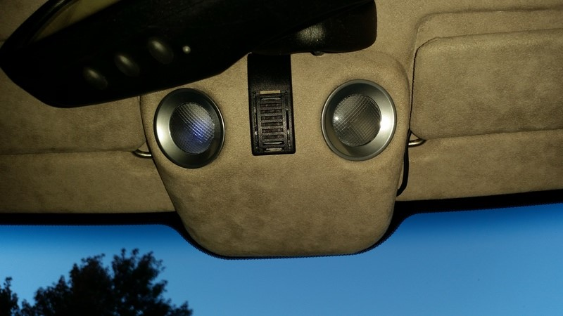 V8 Vantage map light pod. It'll probably be the same in the DB9 and DBS.