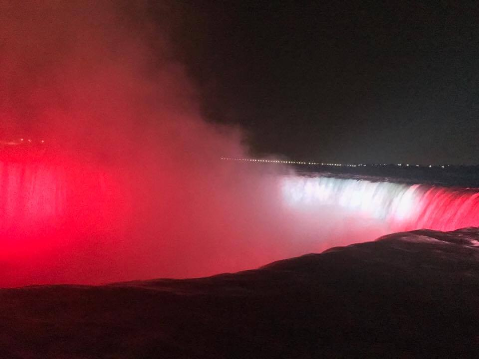 Niagara falls lights.jpg
