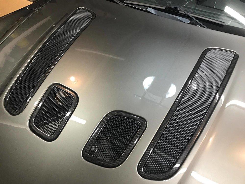 V12 mesh vents.jpg