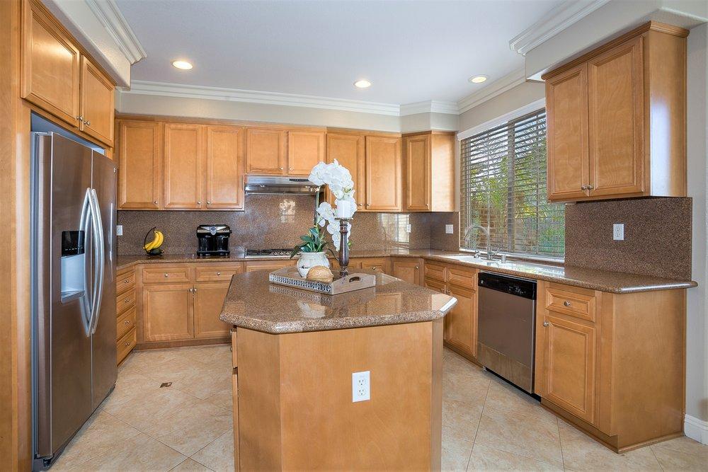 141 Weathervane - kitchen 2.jpg