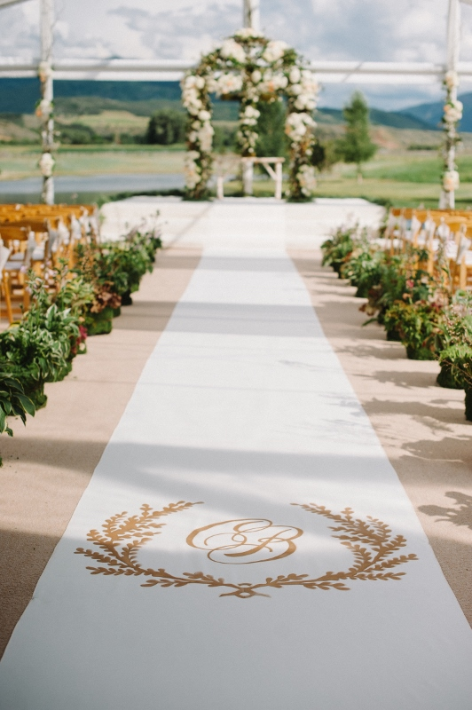 Aisle Detail – Monogram