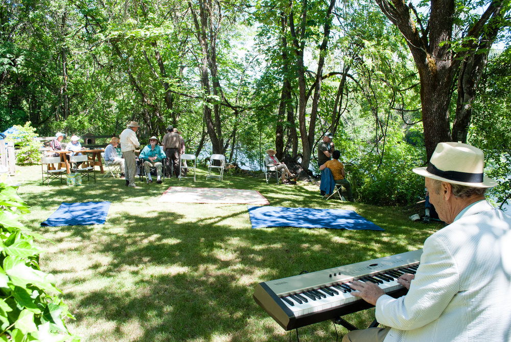 2018MemberPicnic_TF (9)_ForWeb-Piano.jpg
