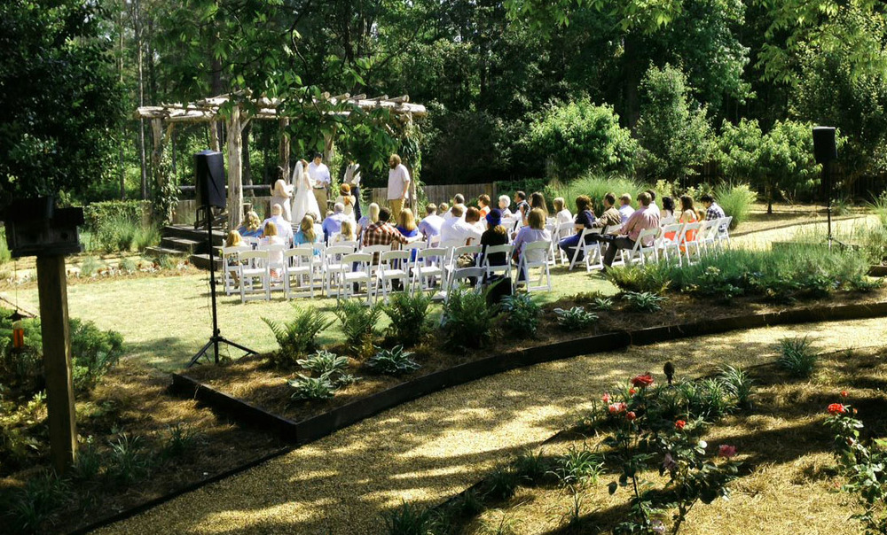 Farm-wedding-garden-3.jpg