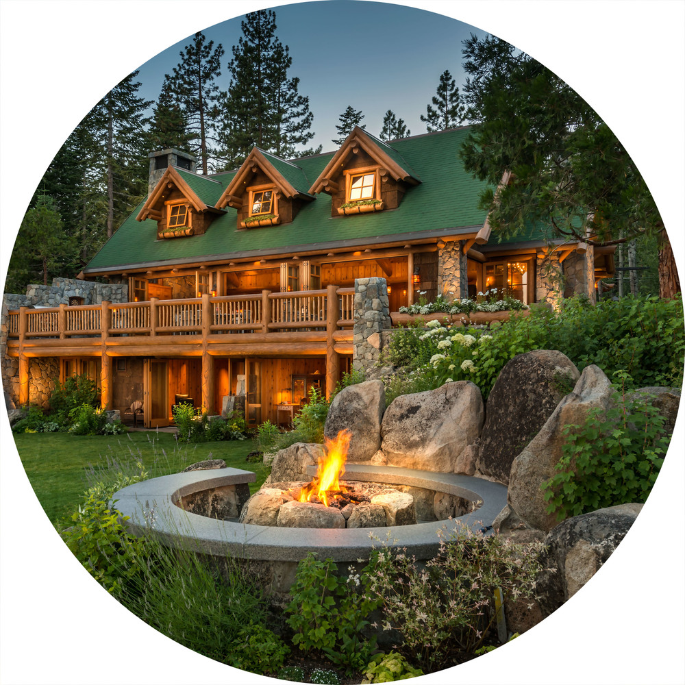 THE LAKEFRONT LODGE