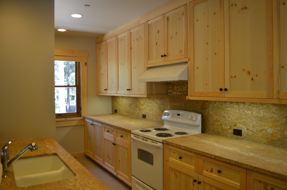 TAHOE KITCHEN 5.JPG