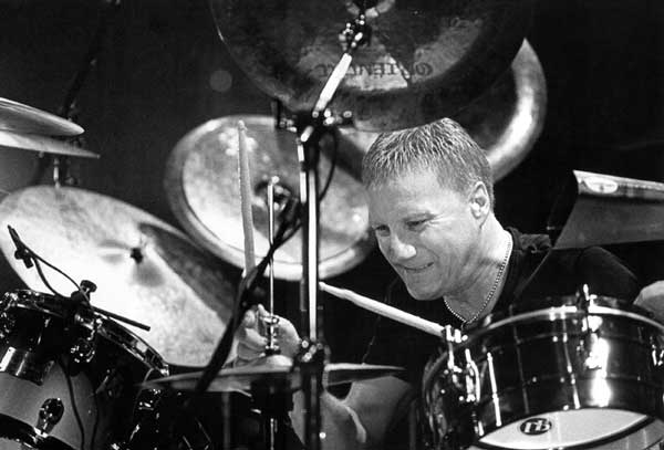 Gregg Bissonette |  Drums  - DAVID LEE ROTH   Gregg Bissonette has toured and recorded with Steve Vai, Joe Satriani, David Lee Roth, Ringo Starr, Spinal Tap, Toto, Pat Boone, Foo Fighters, Jughead, Jeff Lynne (ELO), Steve Lukather.  Gregg has also played drums on Santana's multi-platinum 'Supernatural' album.