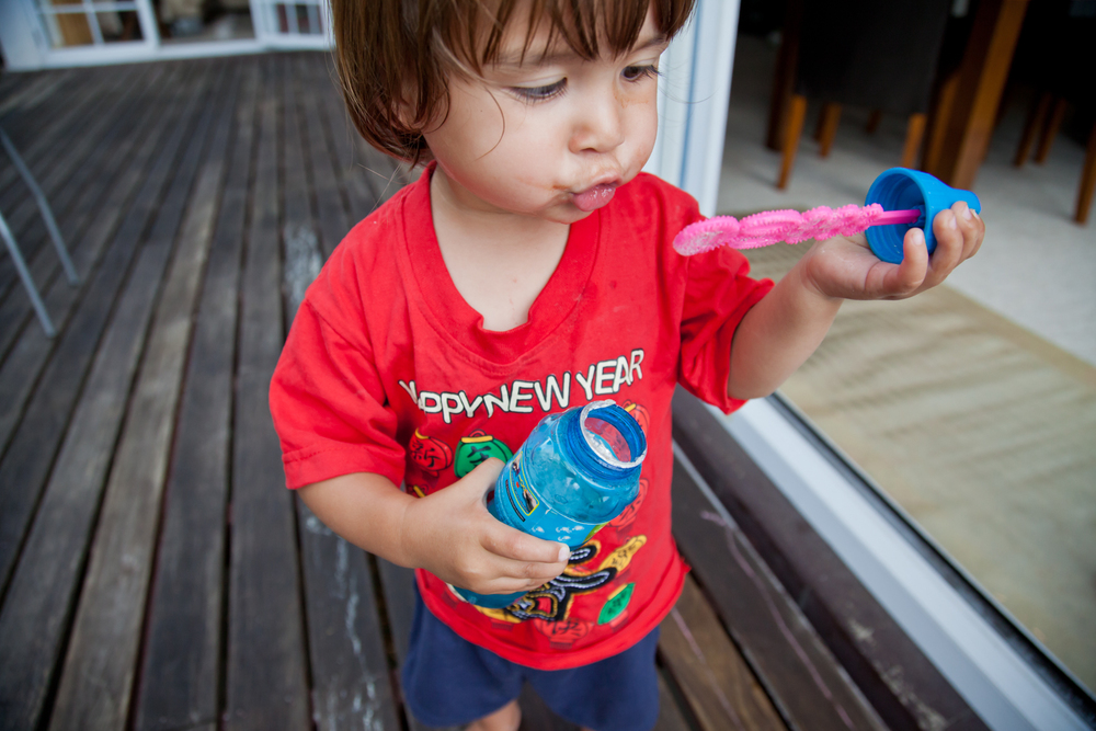 michelle_frances_photography_auckland_family_photographer_bubbles.jpg