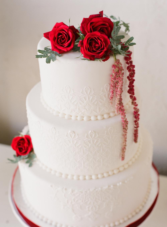 dessert table cake1a.jpg