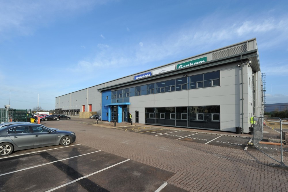 INDUSTRIAL - INVESTMENT - ACQUISITION Unit 8b Manton Wood Business Park, Worksop 141,076 sq ft Distribution Warehouse Investment Client: Surrey County Council Vendor: Private Price: £8,460,000 - 5.87%