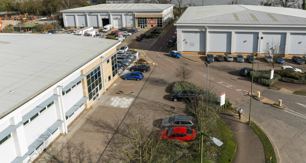 INDUSTRIAL - INVESTMENT - SALE    Boundary Park - Hemel Hempstead   75,611 sq ft South East Industrial Estate   Client:  Aberdeen AM   Purchaser:  Confidential   Price:  £14.096 - 4.31%