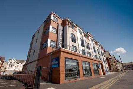 HOTEL - INVESTMENT - ACQUISITION    Travelodge - Blackpool South Shore   79 bed hotel with ground floor bar and restaurant   Client:  UK Prop Co   Vendor:  UK Investor   Price:  circa £7m