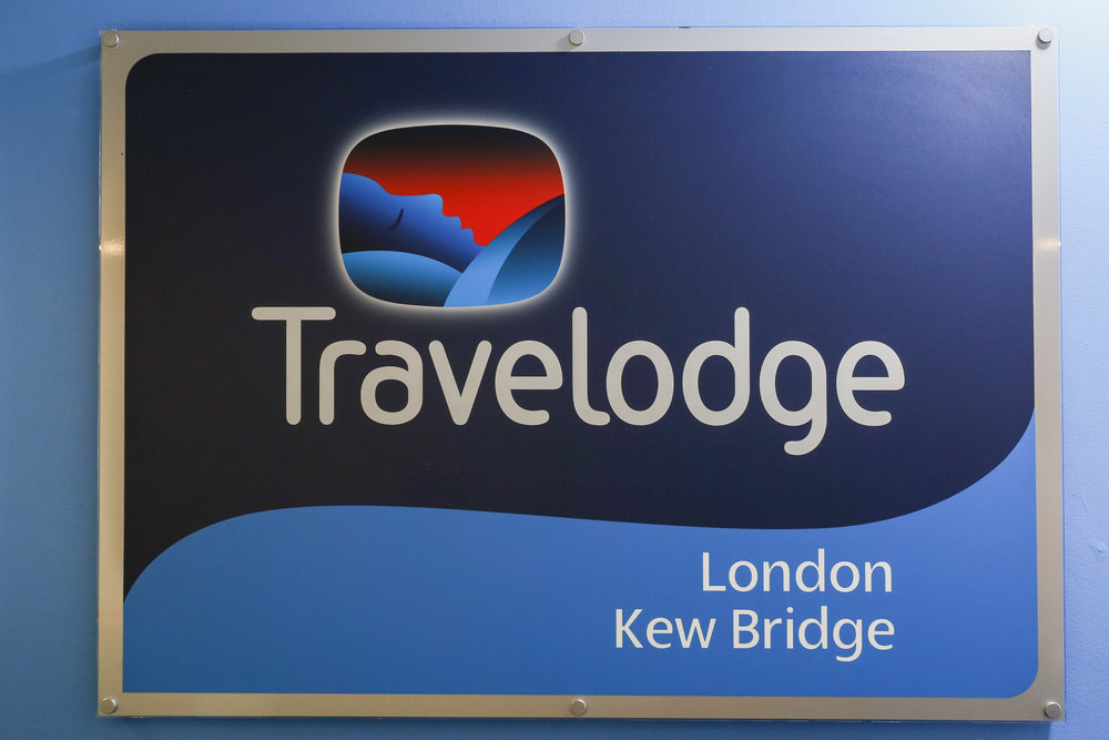 Kim-Kew Travelodge-5573.jpg