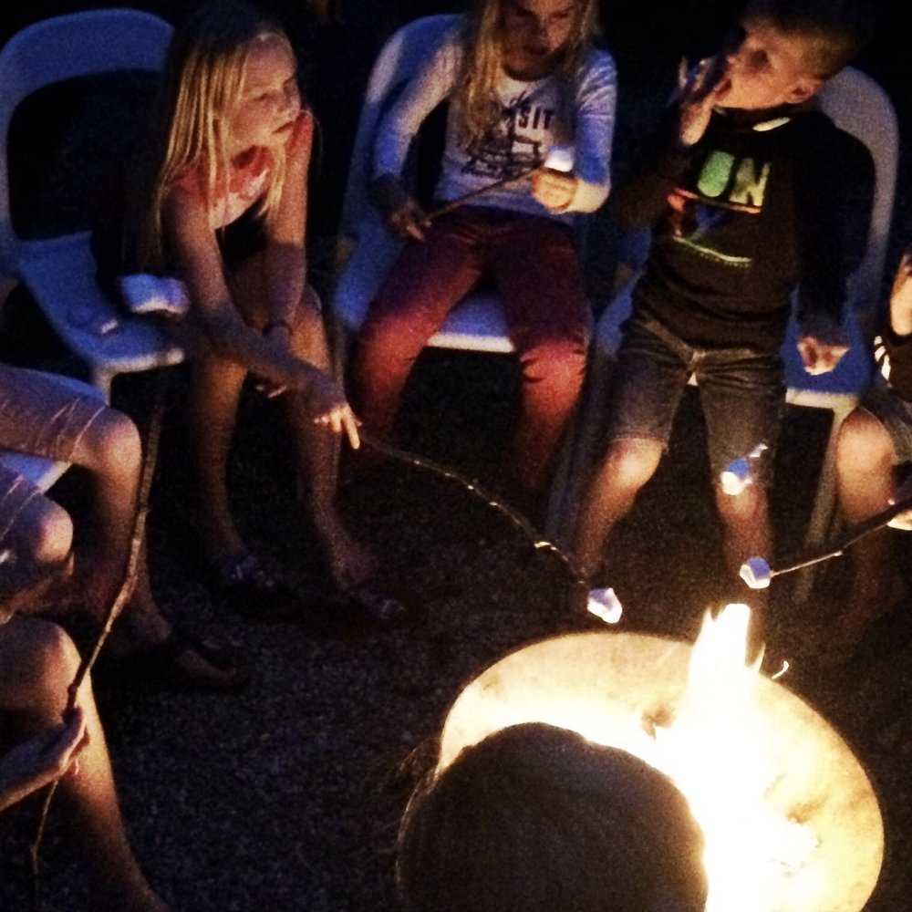 Campfires, friends, marshmellows... can life be any better?!