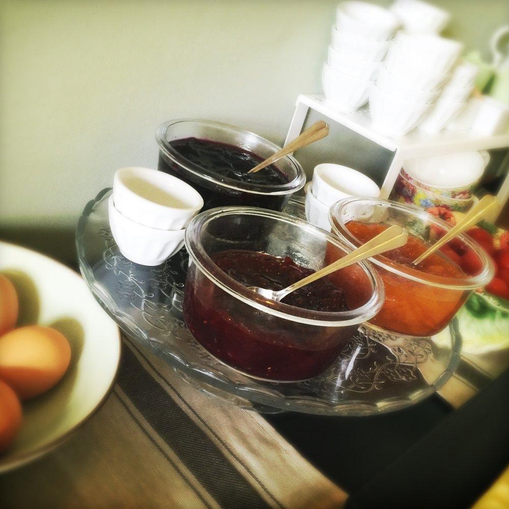 Le petit-déjeuner compris - Breakfast included - Frühstück im Preis inbegriffen - Inclusief ontbijt