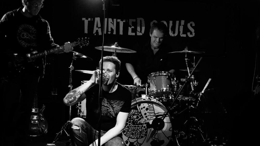 Tainted live at Murphys.jpg