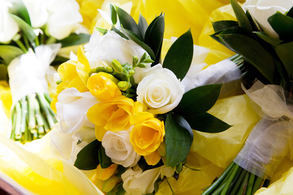 Yellow & White Wedding Flowers, Helen England Photography, Kent, U.K