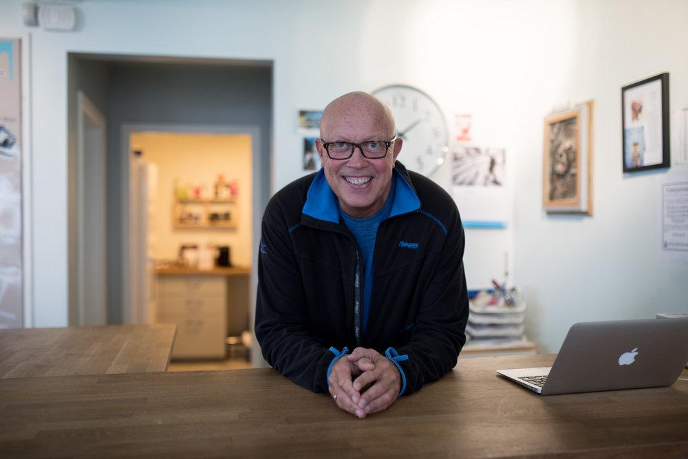 Petter A. Haug har vært frivillig på salgskontoret i Stavanger i fem år.