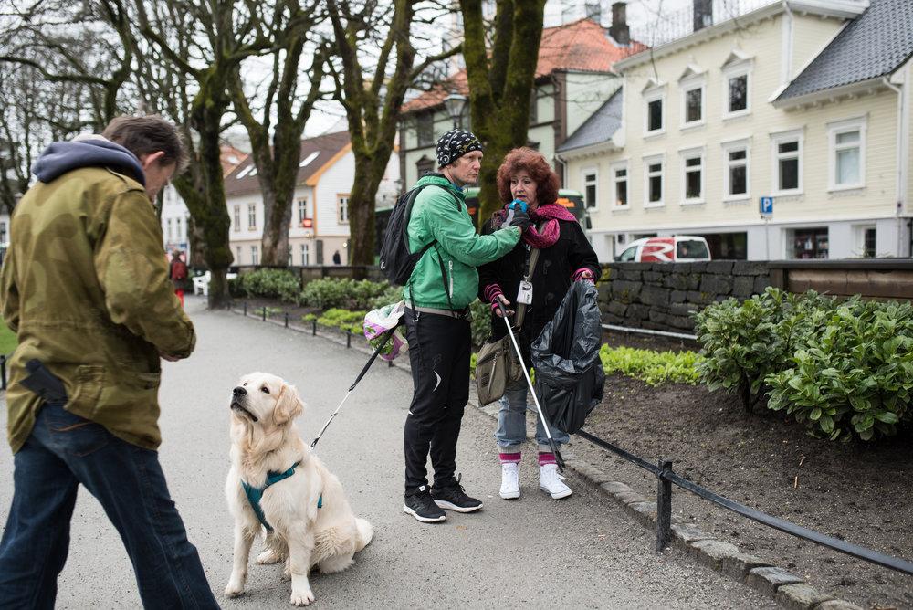 Sissel ønsker seg flere søppelbøtter i Stavanger sentrum.