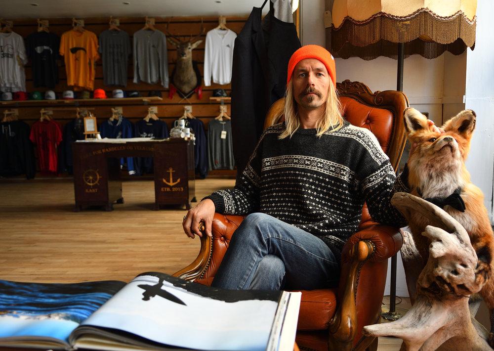 FRODE GOA fikk den gunstige avtalen fordi han driver med lokalt håndverk, der han blant annet selger ullklær fra lokal sau - håndstrikket i Rogaland.