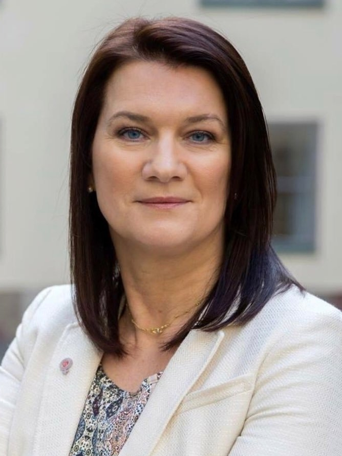 söndag 15:00 - 15.15  Ann Linde   EU-ministern  (Socialdemokraterna)