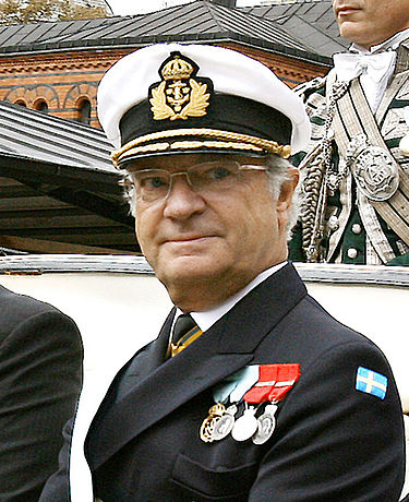 Kung Carl XVI Gustaf invigde 1998