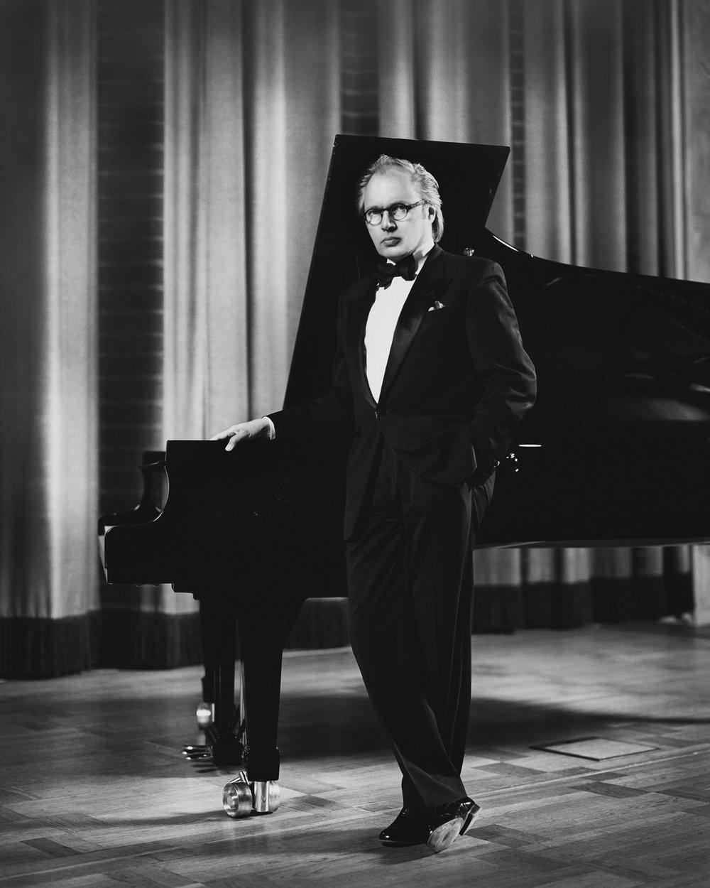 Roland Pöntinen, piano & konstnärligledare