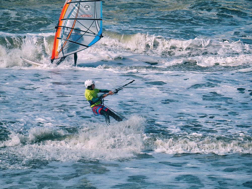 Kitesurfer De Panne Beach - © David Van Bouwel