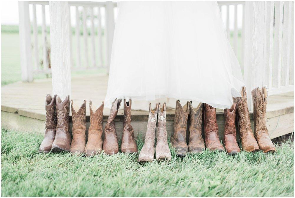 barn-at-the-backwoods-thornville-ohio-wedding-photographer-19.jpg