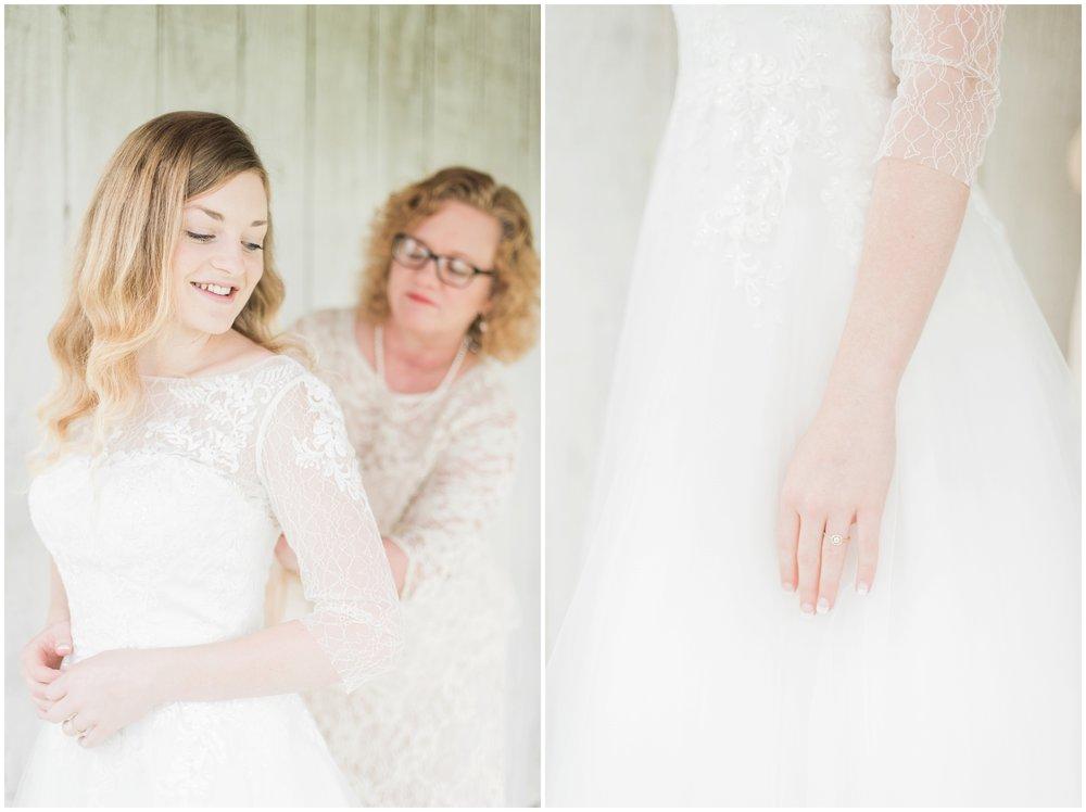 barn-at-the-backwoods-thornville-ohio-wedding-photographer-24.jpg