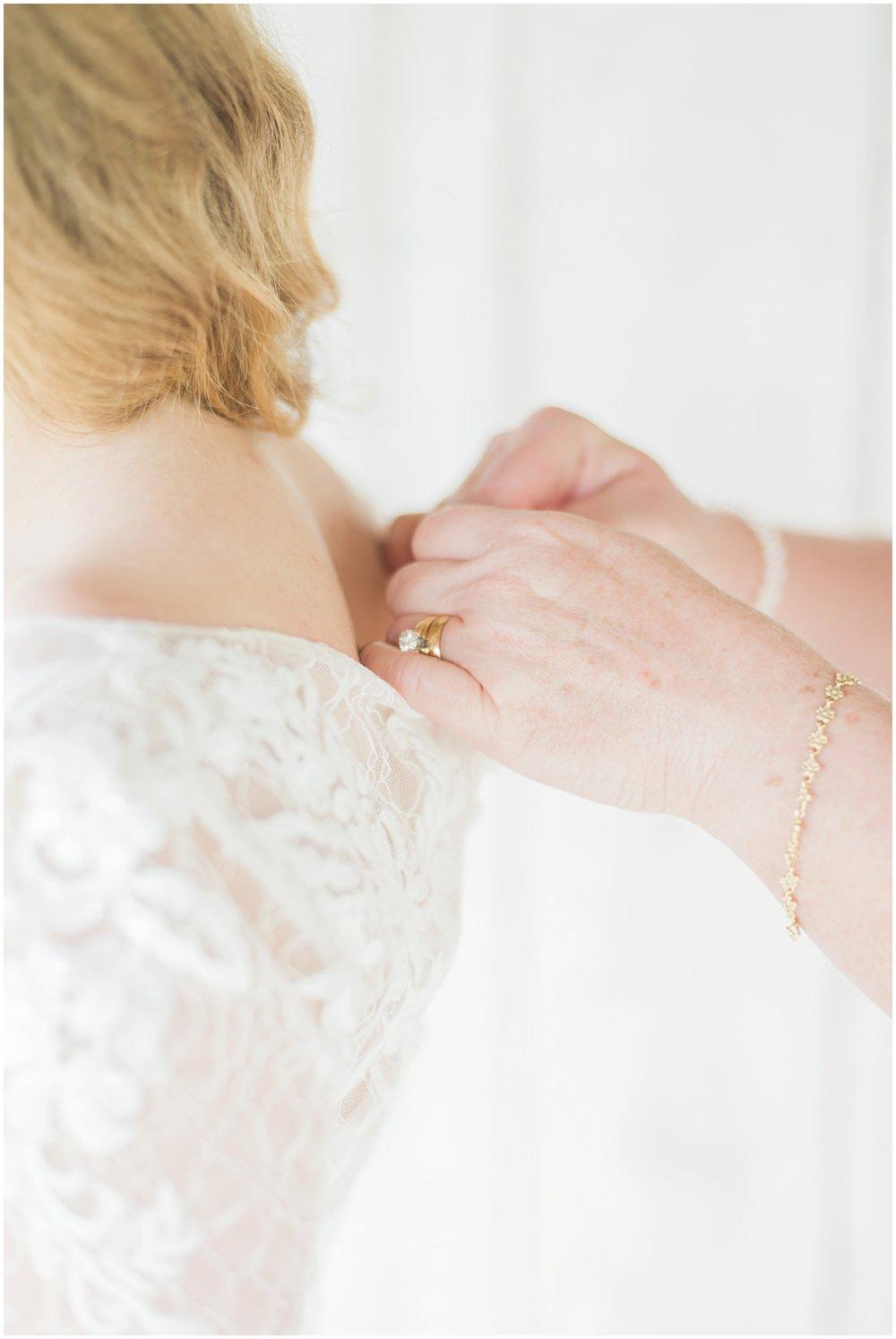 barn-at-the-backwoods-thornville-ohio-wedding-photographer-26.jpg