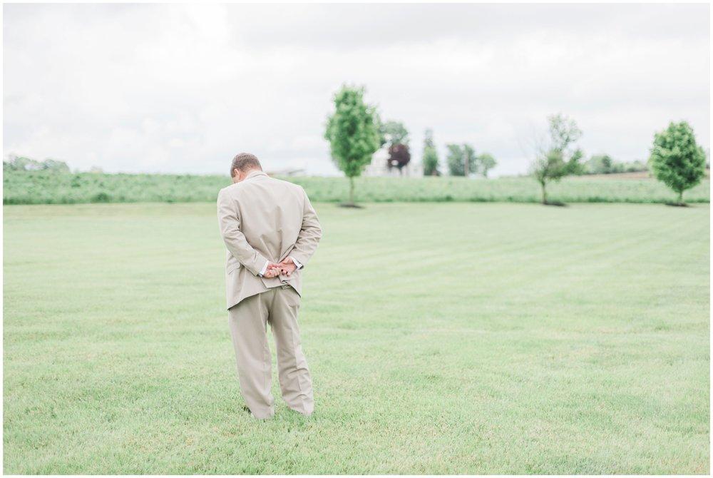 barn-at-the-backwoods-thornville-ohio-wedding-photographer-35.jpg