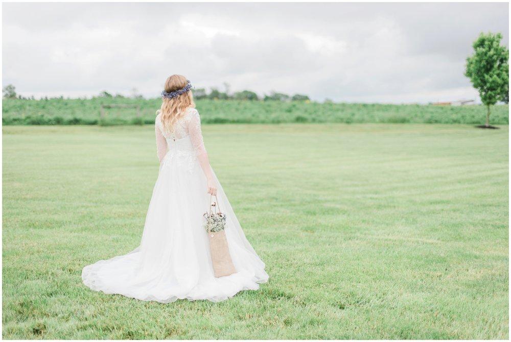 barn-at-the-backwoods-thornville-ohio-wedding-photographer-48.jpg