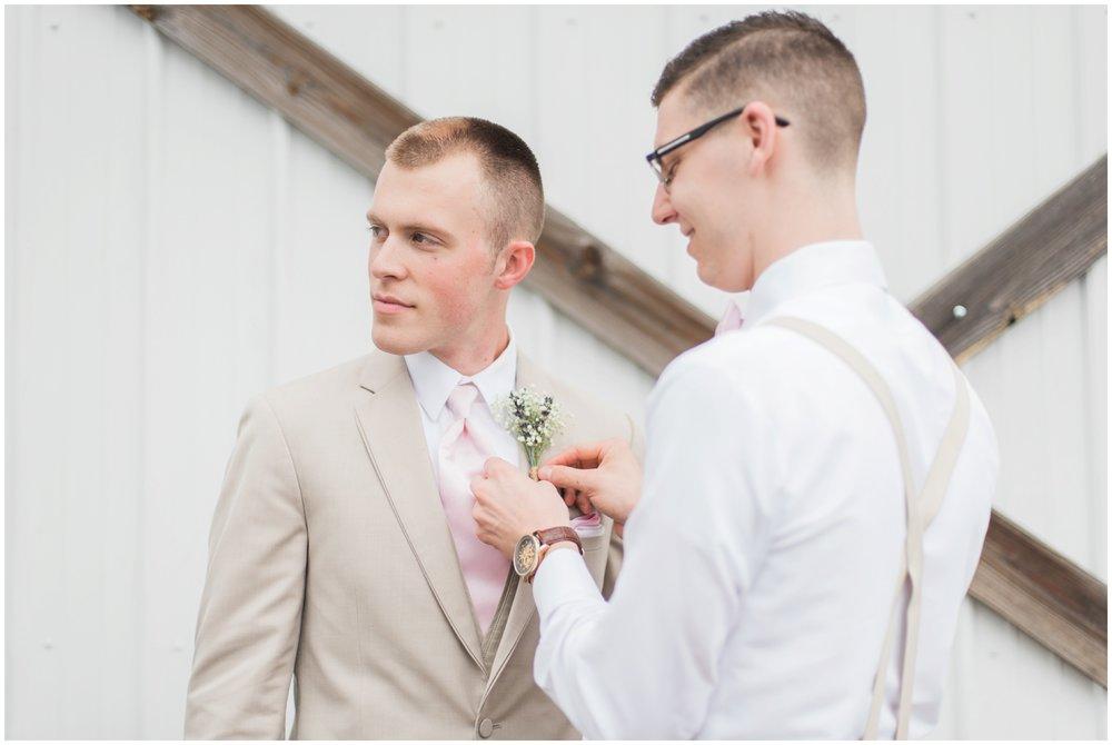 barn-at-the-backwoods-thornville-ohio-wedding-photographer-55.jpg