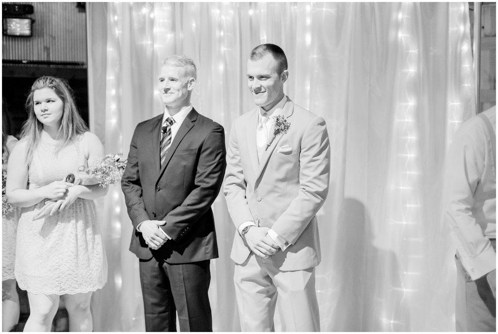 barn-at-the-backwoods-thornville-ohio-wedding-photographer-58.jpg
