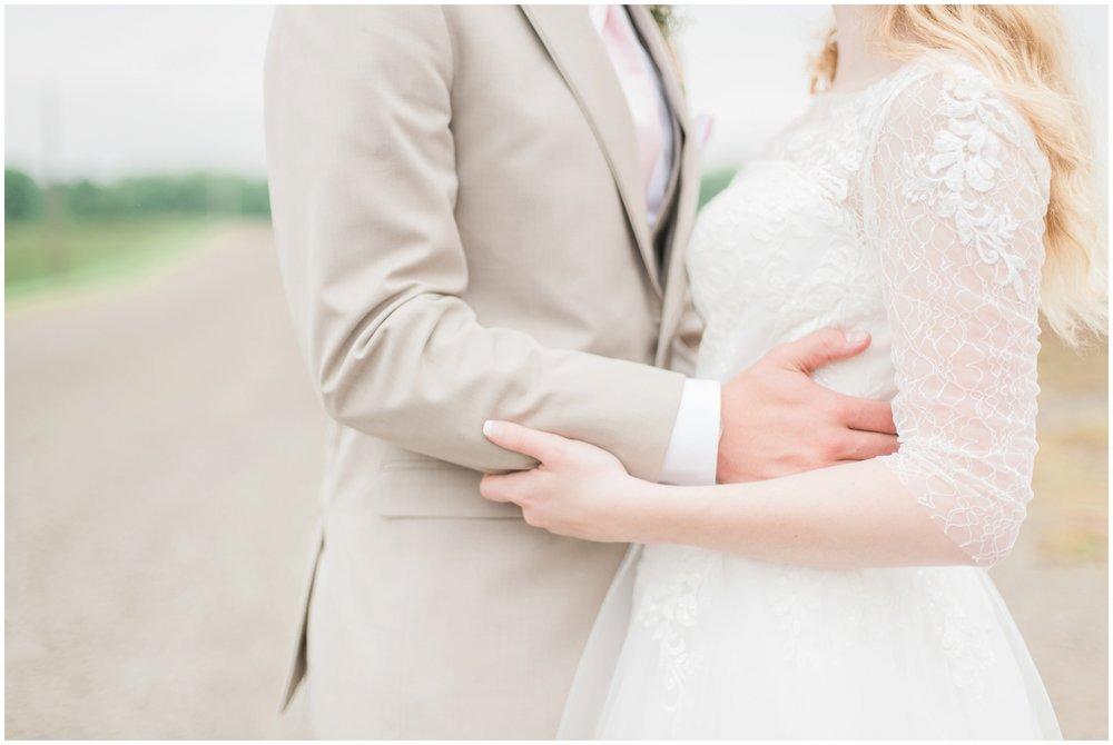 barn-at-the-backwoods-thornville-ohio-wedding-photographer-69.jpg