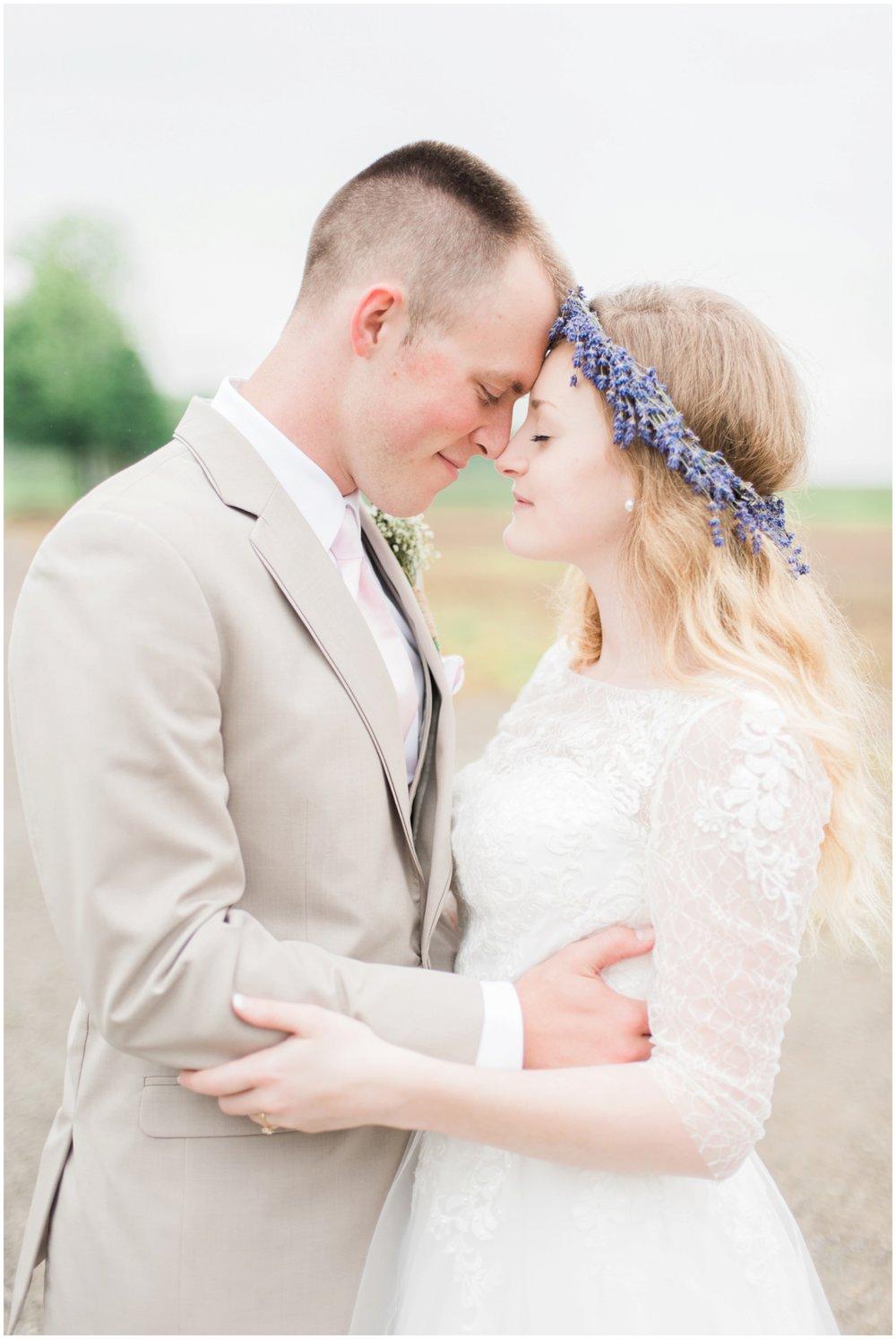 barn-at-the-backwoods-thornville-ohio-wedding-photographer-67.jpg