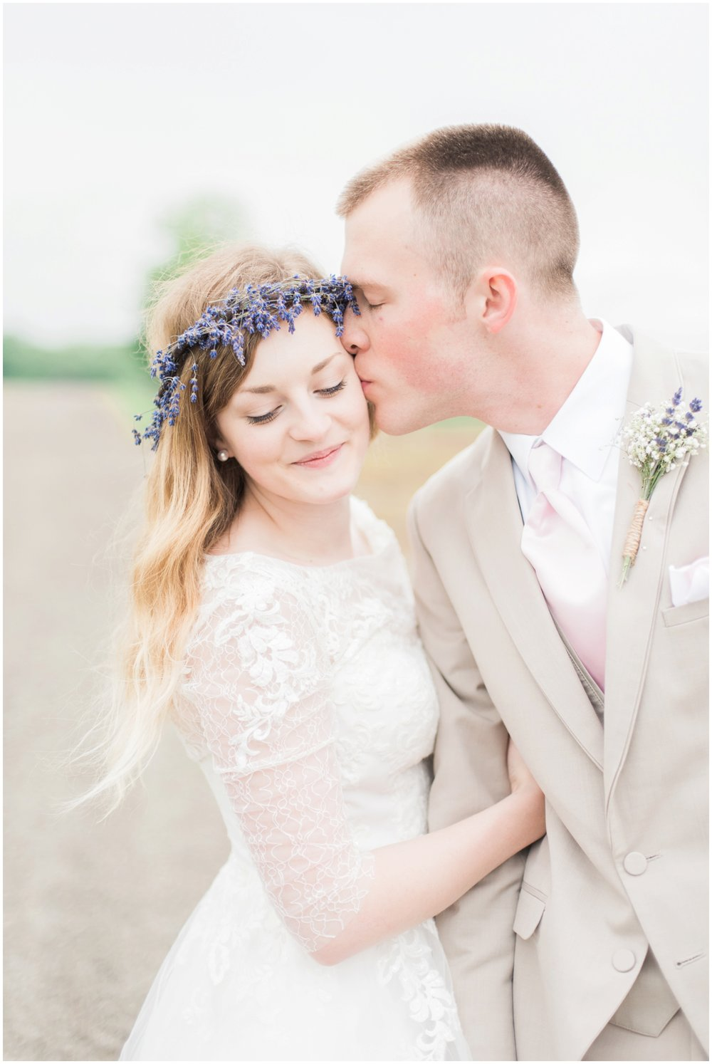 barn-at-the-backwoods-thornville-ohio-wedding-photographer-74.jpg